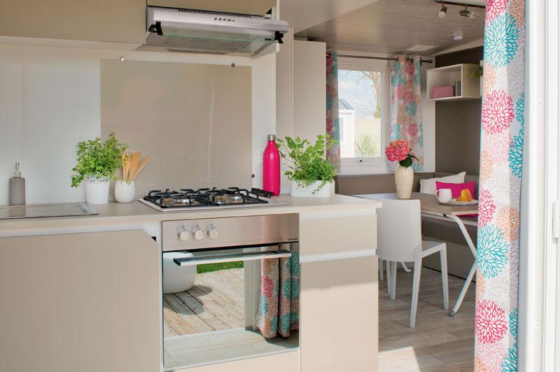 Cuisine Ouverte Vers Lextrieur Luminosit Espace Maxi Et Super Quipement Pour Ce Modle 2 Chambres Grande Largeur Pouvant Accueillir Jusqu 5